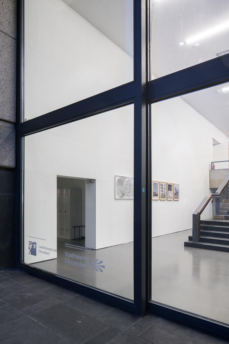 Ausstellungsansicht Kunsthalle Düsseldorf mit Renata Jaworska
